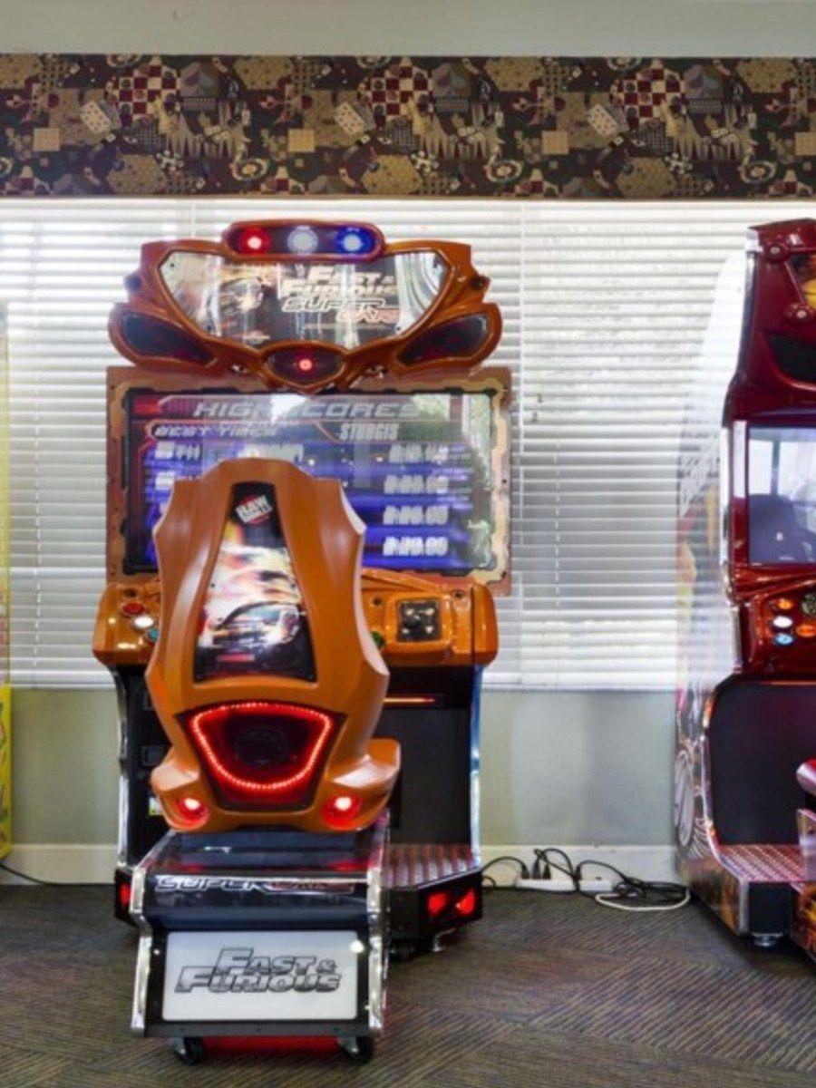 Portrait original gameroom2